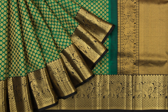 Trisha's Magnetic Green Colored Kanjivaram Style Pattu Saree