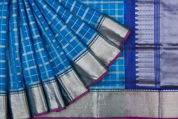 Trisha's Pleasant Blue Colored Handloom Silk Saree