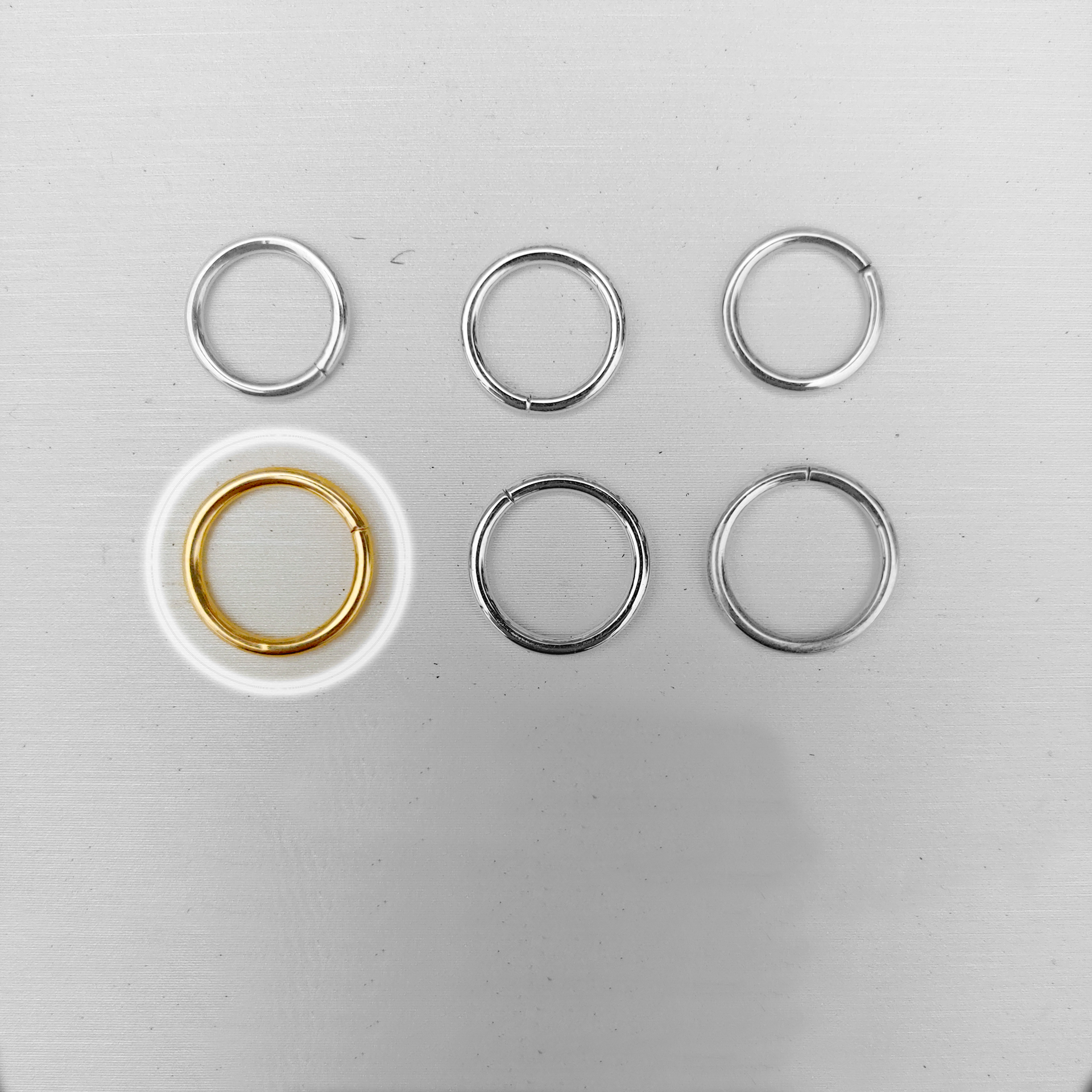 Gold Seamless Ring (16g)