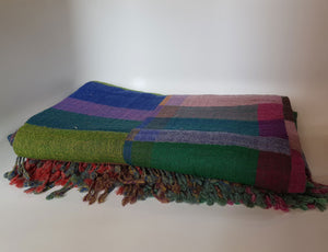 Block Pattern Woolen Throw green