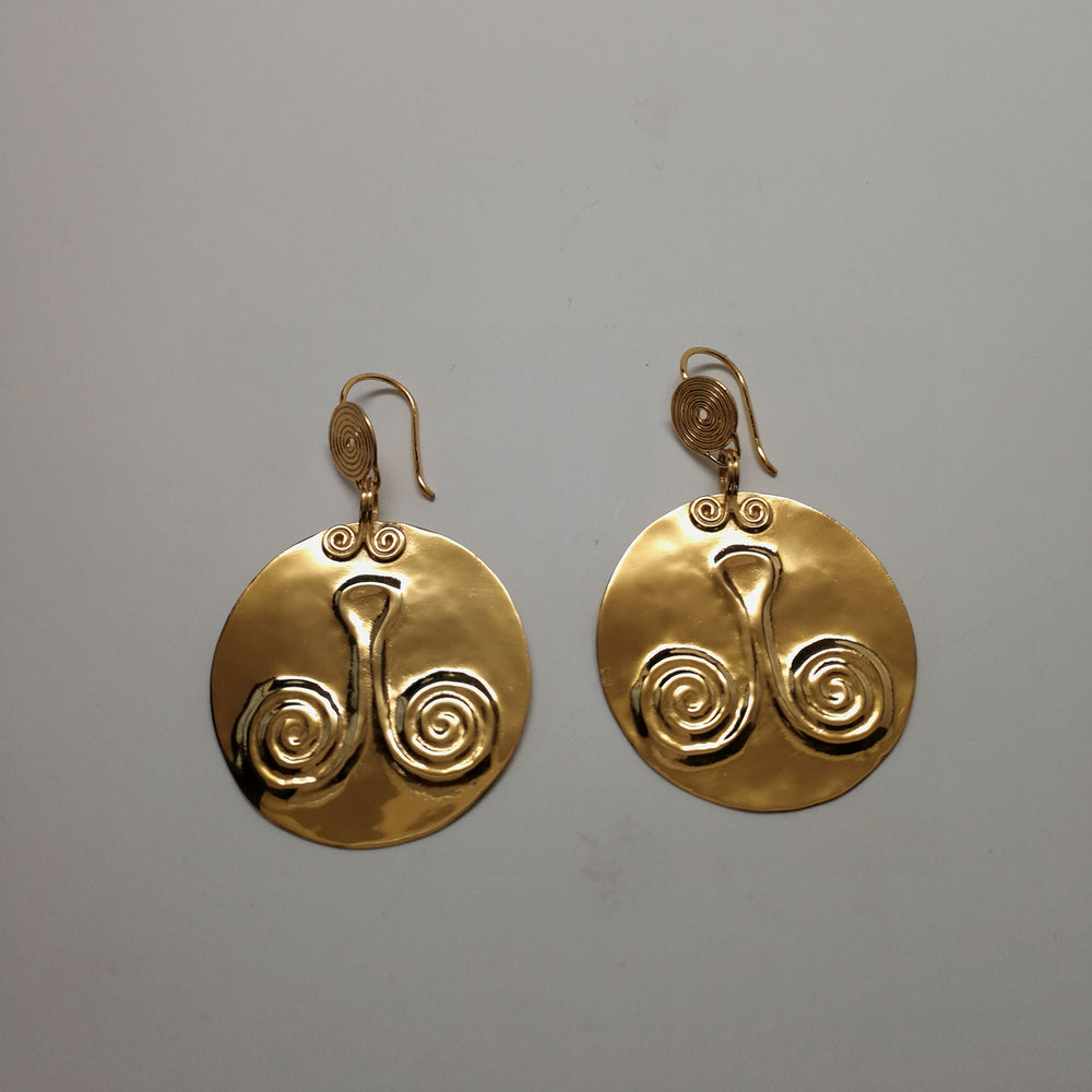 Hanging Medallion earring