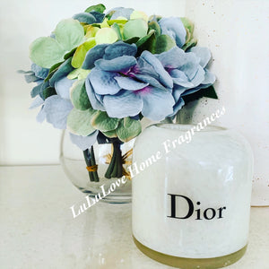 Vase - Fish bowl with hydrangea bouquet
