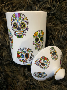 Skulls - candle with ceramic jar and knob lid no box