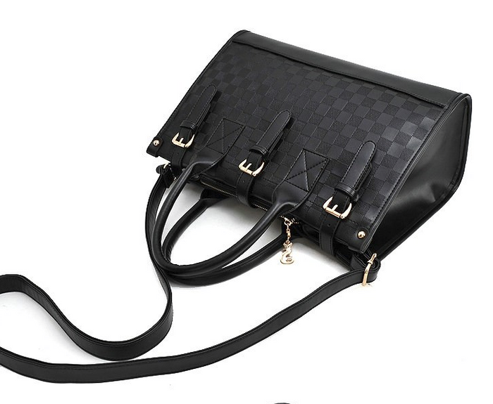 CHIC NYC Vintage Leather Shoulder Bag