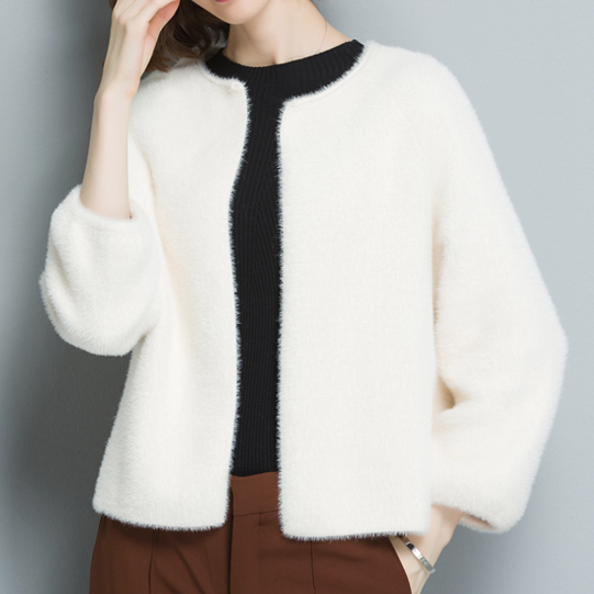 CHIC NYC Short Cashmere Cardigan Sweater