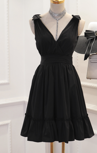 CHIC NYC V-neck Waist Fluffy Dress