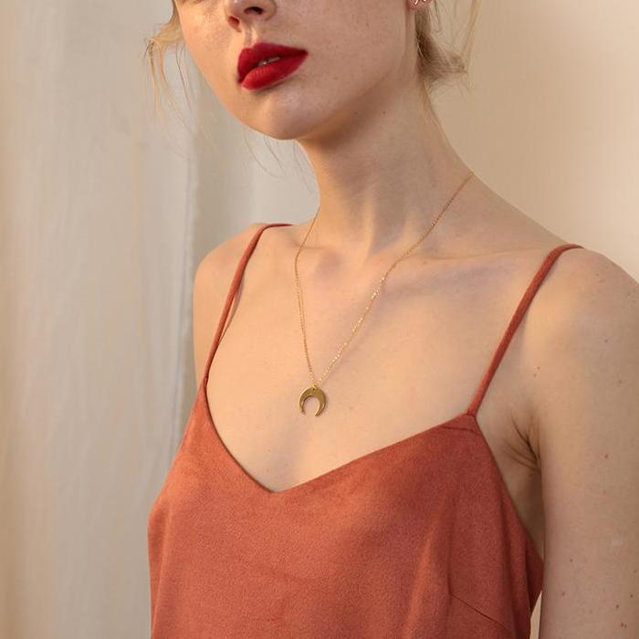 CHIC NYC Long Moon Necklace Chain Simple Gold-Plated