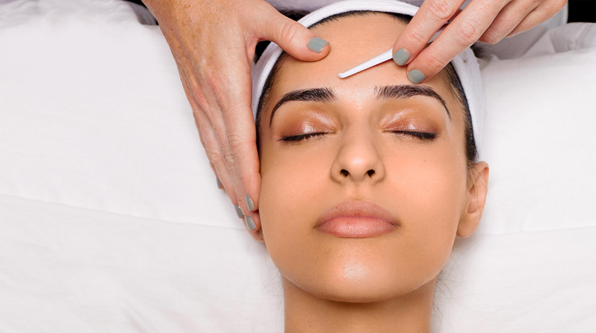 Learn what is dermaplaning and how you can try it.