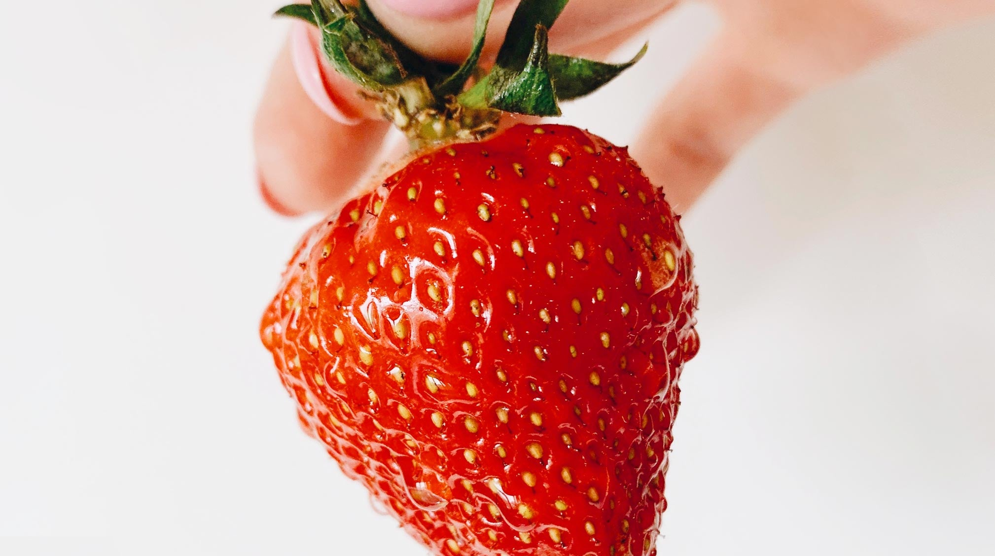 How to Get Rid of Strawberry Legs, According to Dermatologists