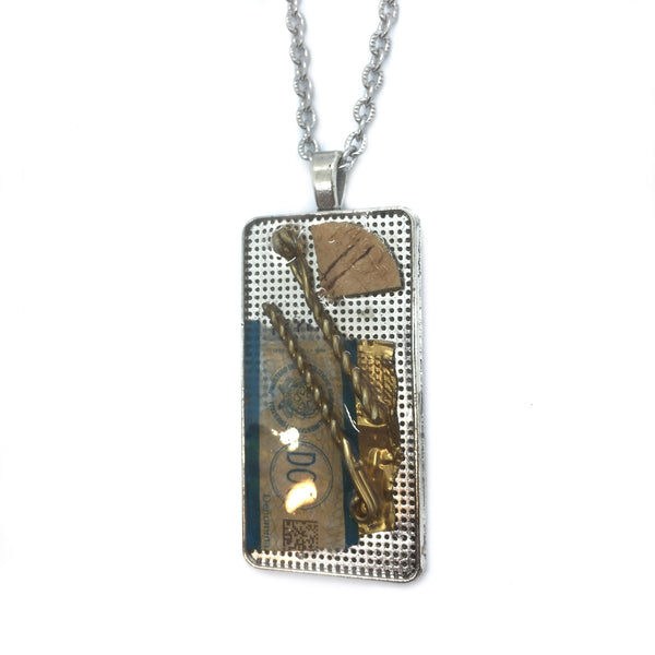 Champagne Memories Necklace