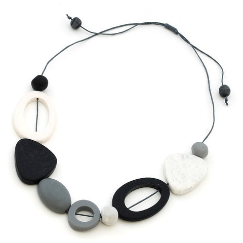 Black and White Mixed Necklace Suzie Blue Canada