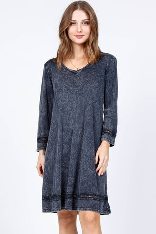 Contrast Lace 3/4 Sleeve Dress