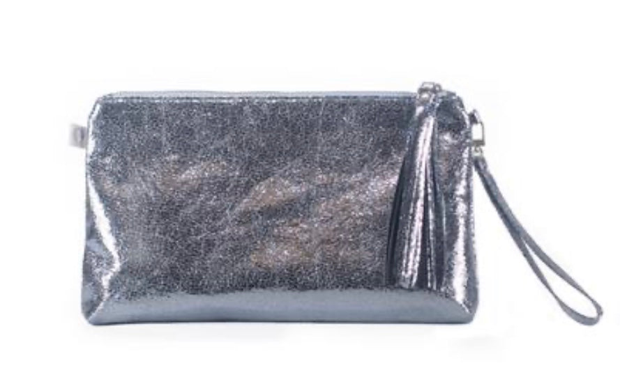 LUXE METALLIC CLUTCH WITH WRISTLET: BLUE