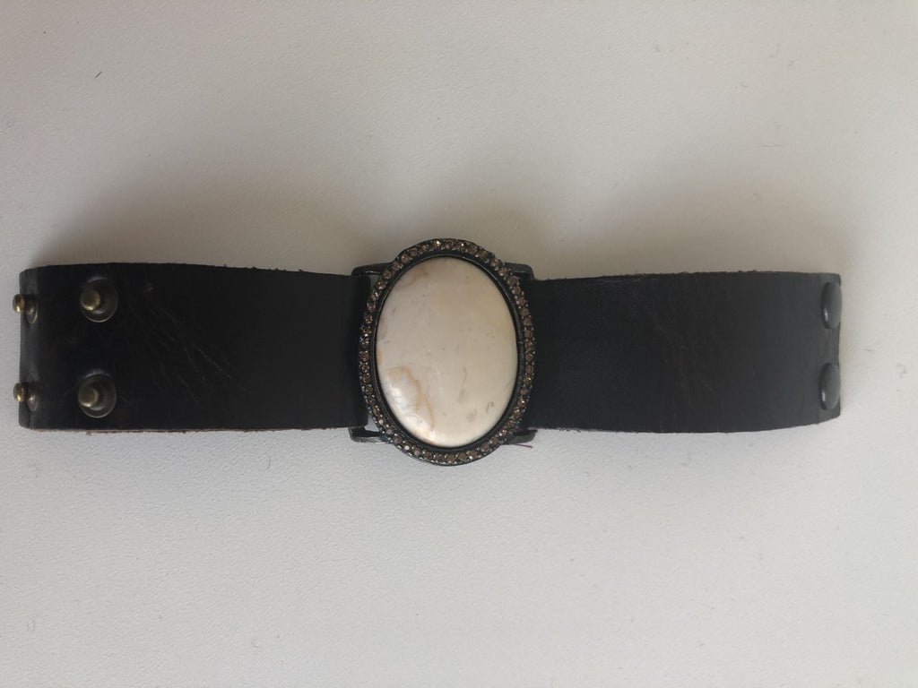 Rebel Design Leather bracelet/vintage brn leather