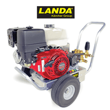 Landa HD 3.0/27 GB 2700 PSI 3.0 GPM Gas Cold Water Belt Drive Pressure Washer Engine View