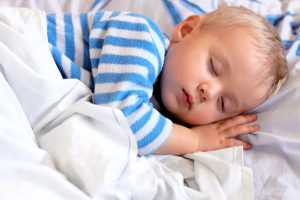 My 7 top tips for helping your little one sleep through the night