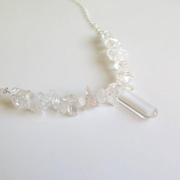 Healing Clear Quartz Necklace, Perfect Jewelry Gift for Her in Silver - Viyoli Jewelry Designs