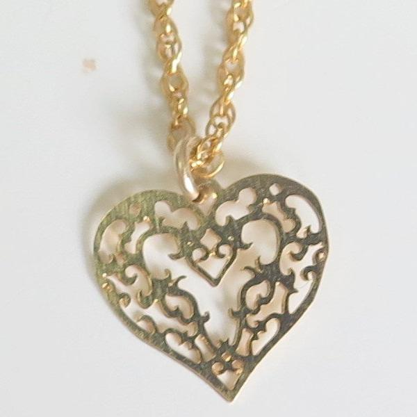 Dainty Minimalist Necklace, Gold Lace Heart Pendant, Jewelry Love Gift - Viyoli Jewelry Designs