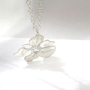 A Flower for Mom, Custom Engraved Sterling Silver Pendant Necklace - Viyoli Jewelry Designs