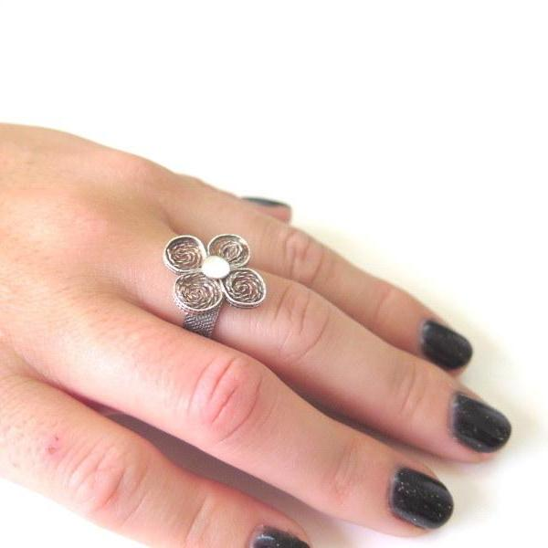 Sterling Silver Filigree Ring, Oxidized texture, Unique Flower Jewelry - Viyoli Jewelry Designs