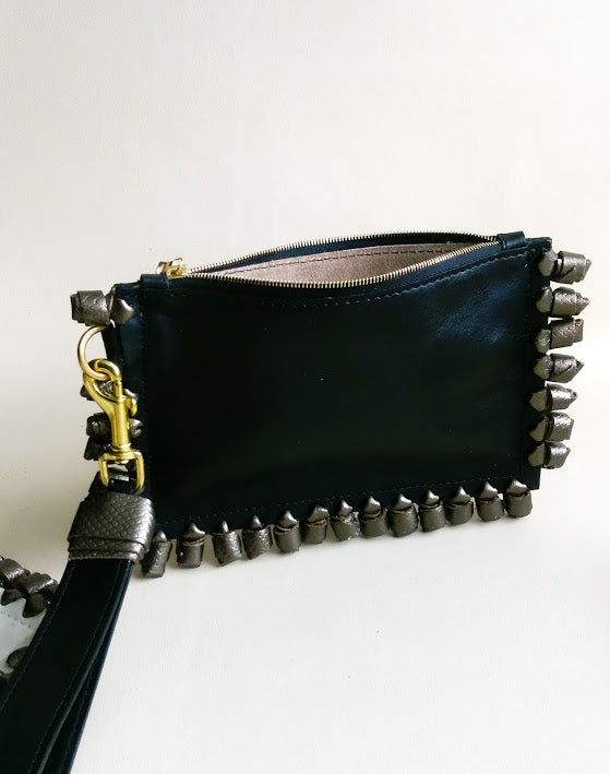 Chiney Bump Clutch - Black