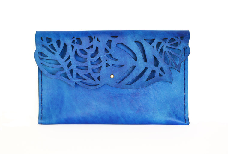 Wilderness Clutch Cobalt