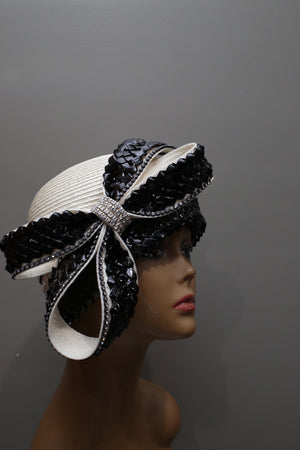 Off white Straw scullcap with Black Straw Trim
