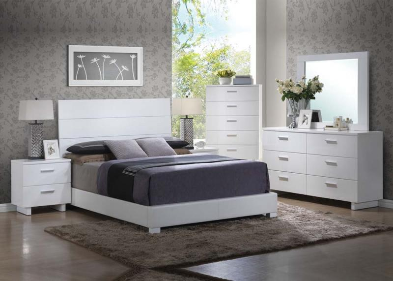 Lorimar Bedroom Set
