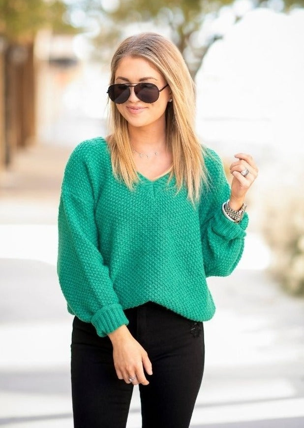KATY ROACH @LIVINGMYBESTSTYLE EMERALD SWEATER