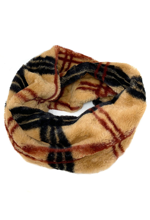 LONDON TOWN PLAID FUZZY SCARF