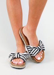COURTNEY BOW SANDAL