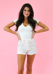 WHITE FRENCH QUARTER CROCHET SHORT