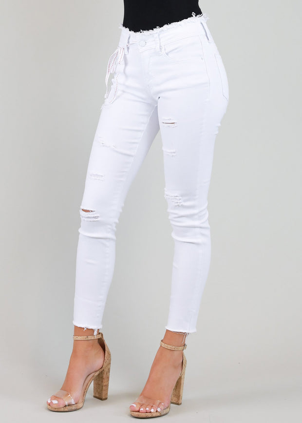 JUST JUDY MID RISE DISTRESSED WHITE SKINNY JEAN