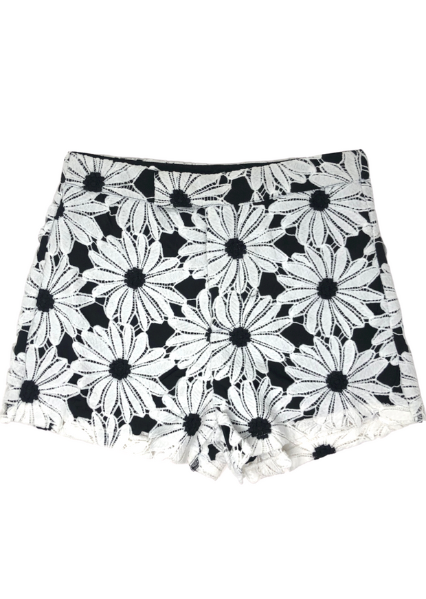 BLACK & WHITE DAISY DOT SHORTS