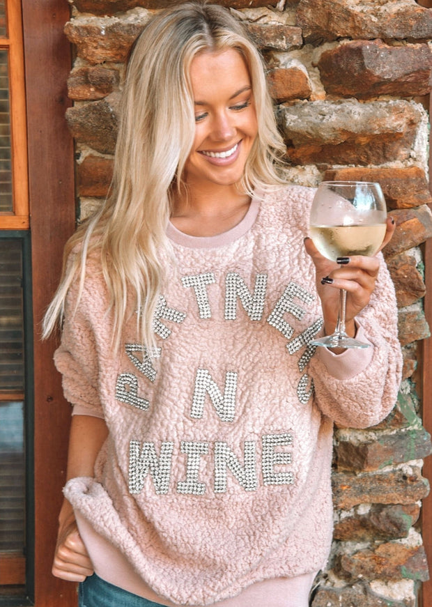 PARTNERS N WINE PULLOVER