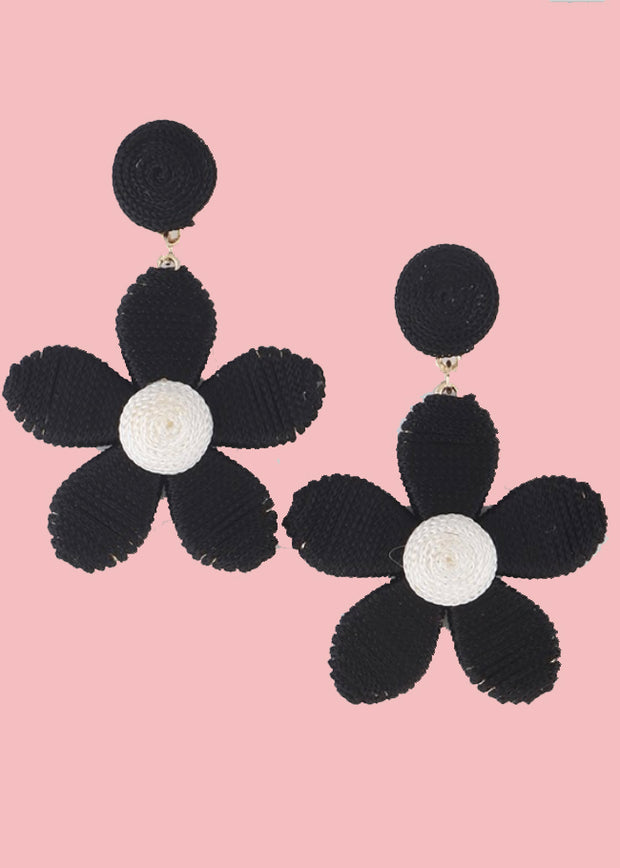 BLACK DAISY EARRINGS