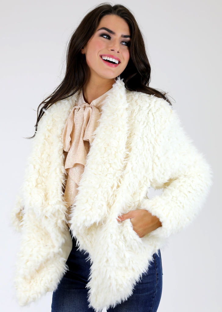 WINTER WHITE FUZZY JACKET
