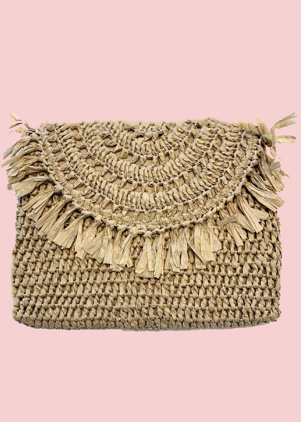FRINGE STRAW CLUTCH