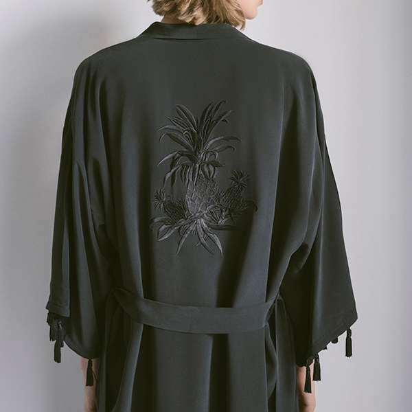Black Pineapple Silk Crepe de Chine Kimono Kimono Boon