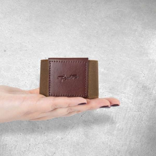 brown minimalist wallet