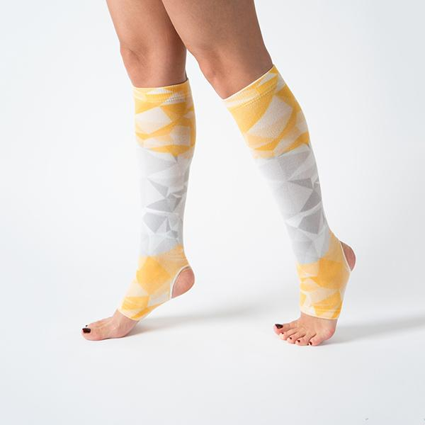 knee high yellow printed flexible comfortable breathable yoga pilates socks at hippist.co.uk