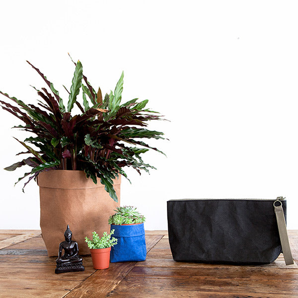 clutch black from eco-friendly paper
