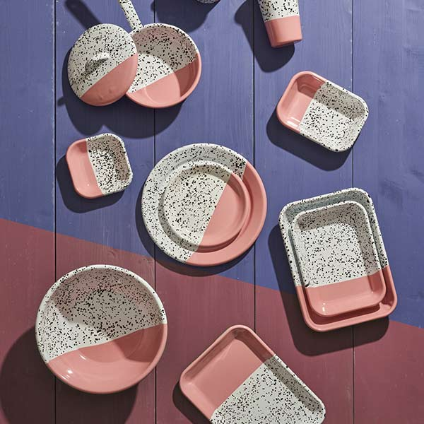 26 x 18 x 4 cm, Pink Enamel Serving Trays