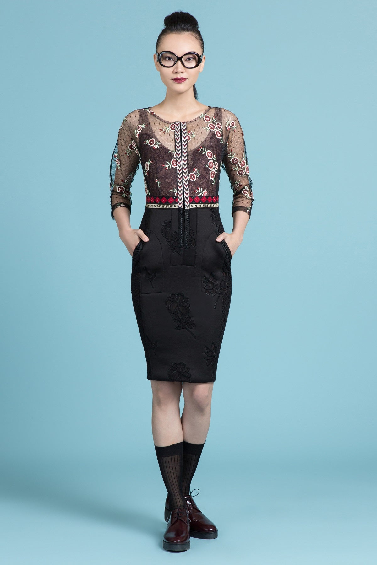 Embroidered Mulberry Lace Sheath