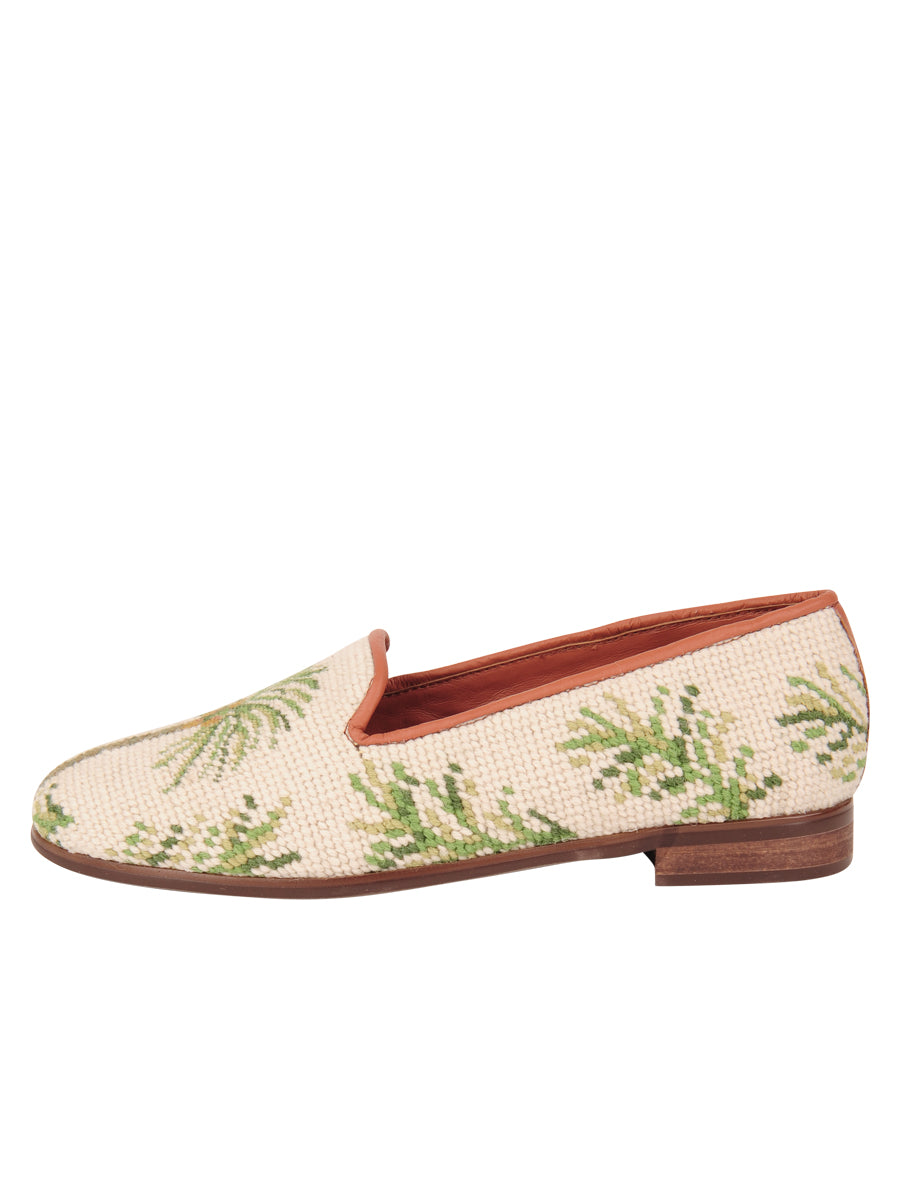Womens Traditional Palm on Sand Needlepoint Loafer 6