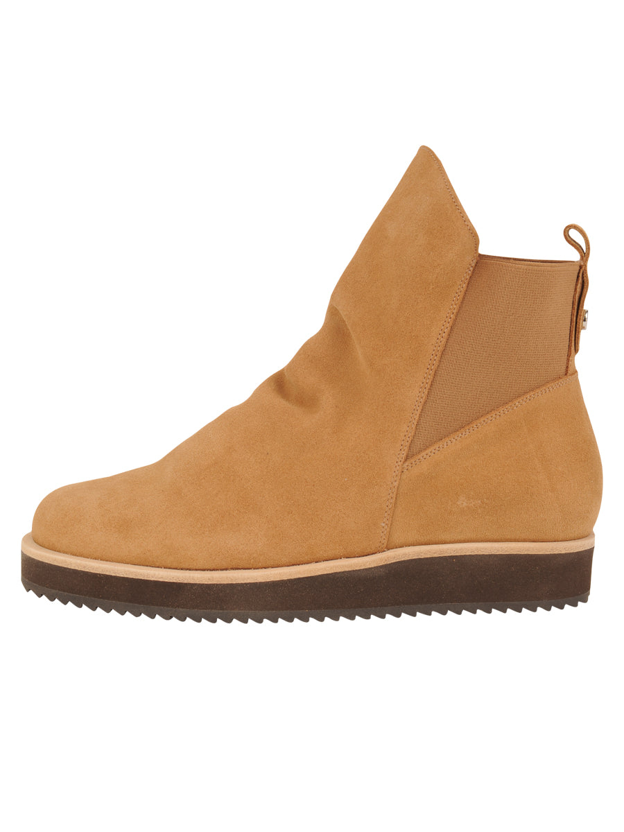 Womens Camel Suede Charlee Sport Bootie 6