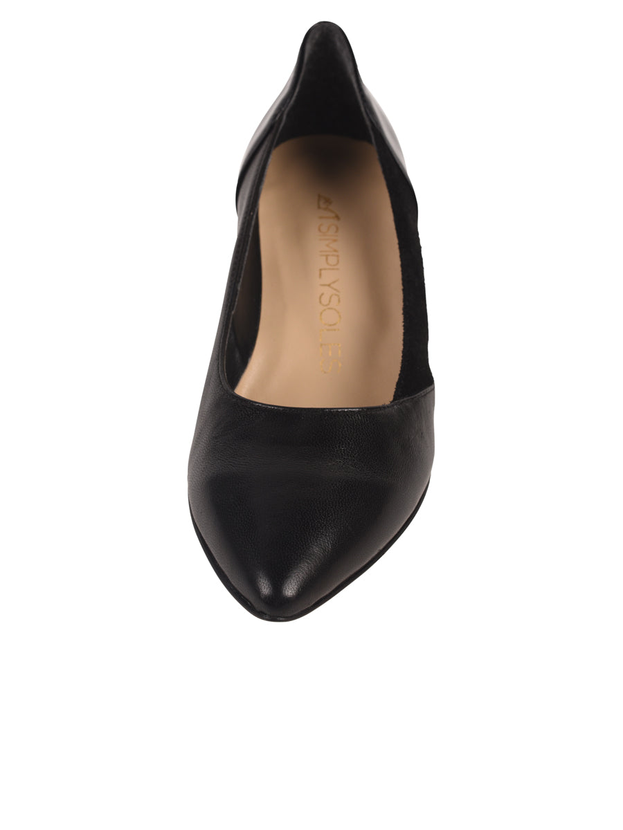 Black pump composed of leather, suede, and patent 4