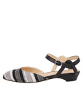 Womens Black / White Stella 7