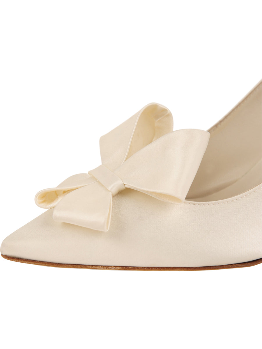 Womens Ivory Pointed Toe Pump 6