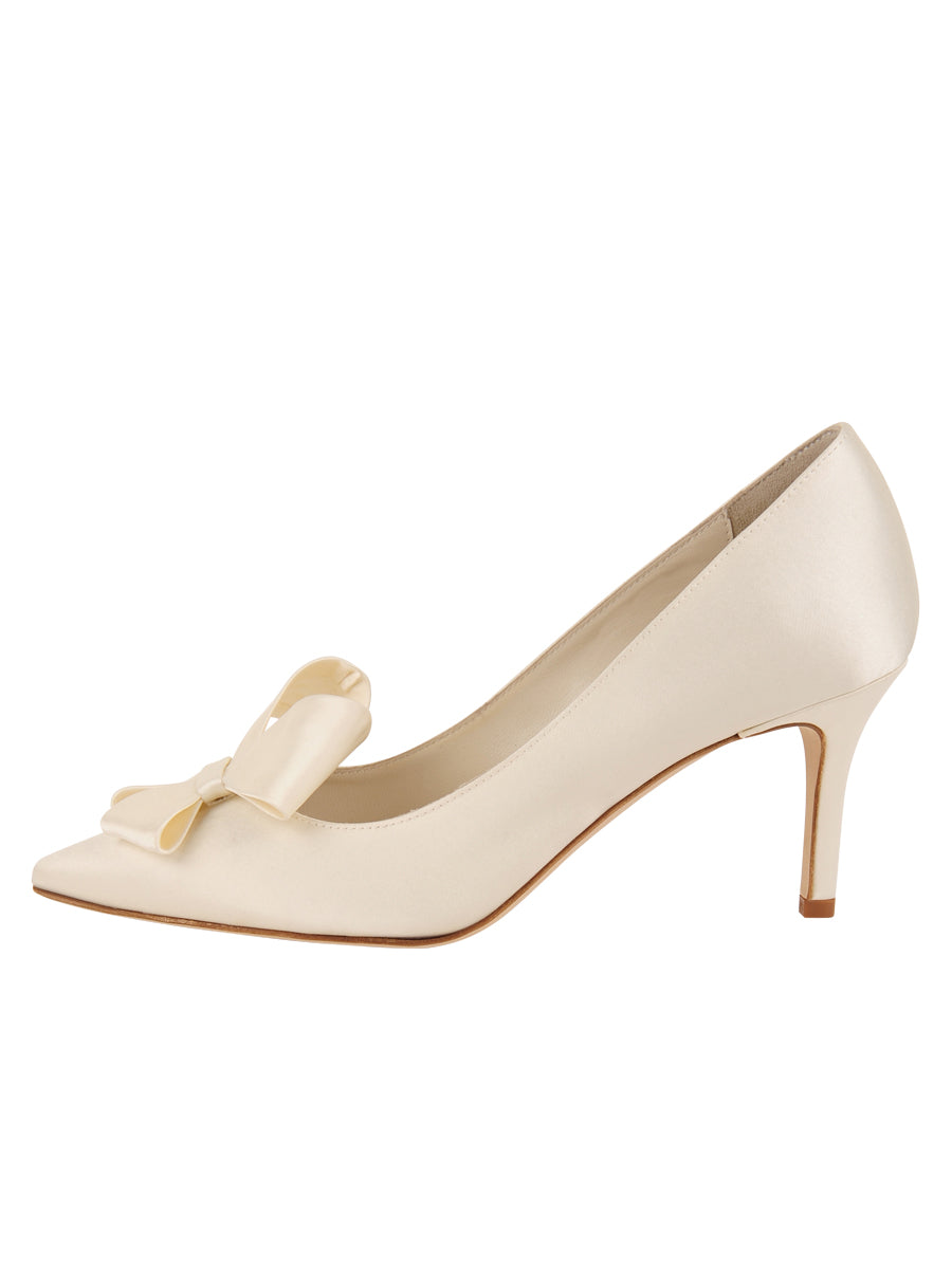 Womens Ivory Pointed Toe Pump 7